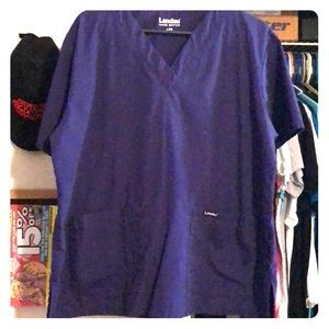 Laundau Men's double pocket scrub top.